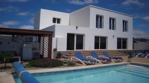 Beautiful modern villa in perfect location