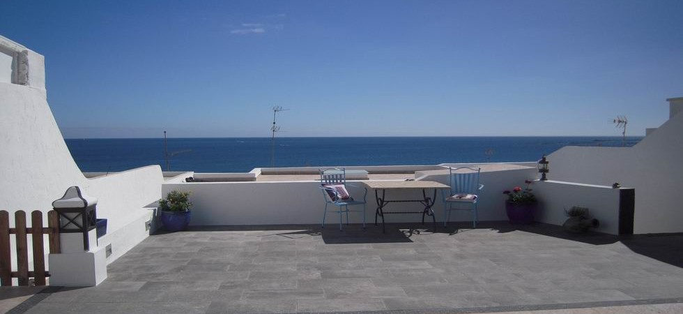 Seafront property in Playa Quemada