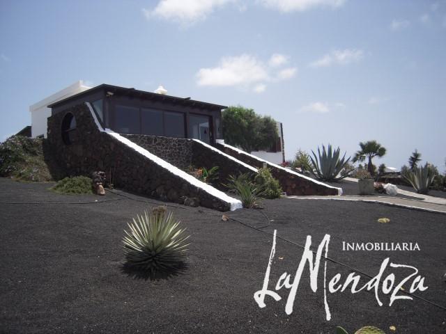 Gepflegte Villa in Las Brenas – Immobilien La Mendoza