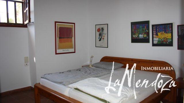 4276- (8)Lanzarote buy villa house haus