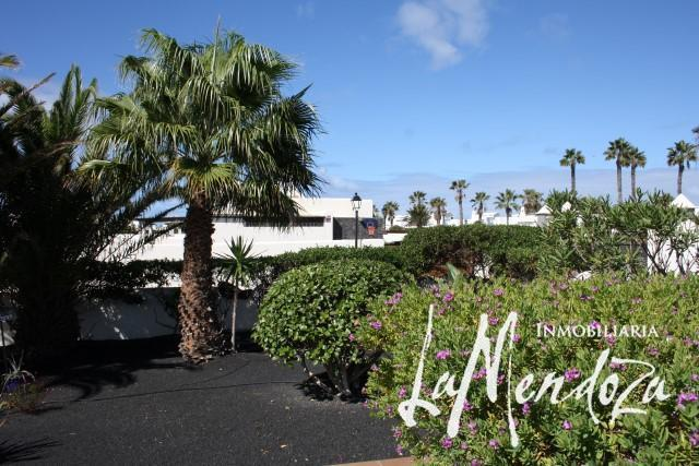 High quality villa in Playa Blanca – Real Estate La Mendoza