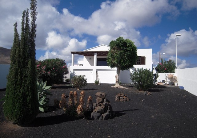 Reduced Price! Good quality house in Guime