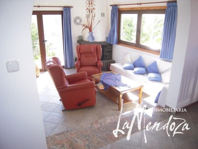 Schönes Haus in einmaliger Lage im Norden – Immobilien La