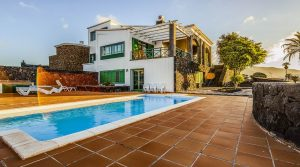 Outstanding country villa in Yaiza
