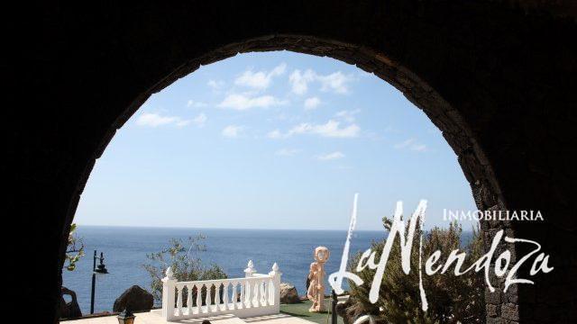 4270-(9) lanzarote puerto del carmen villa for sale