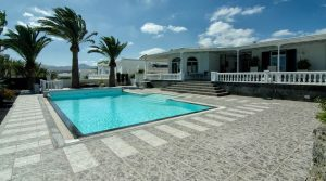 4284-featured Lanzarote villa buy kaufen