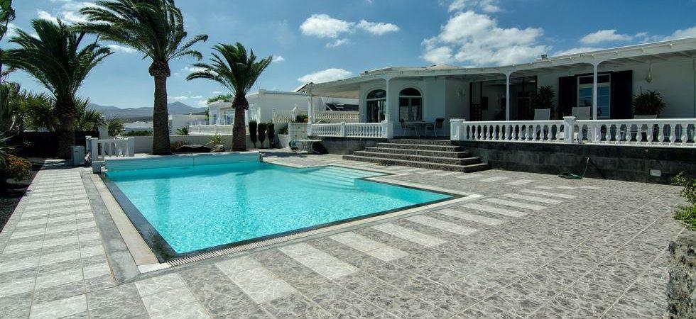 4284-featured Lanzarote villa buy kaufen