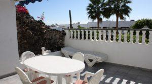 2075-(6)  lanzarote puerto del carmen apartment for sale