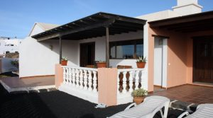 Stylish Detached house with a separate apartment in Teguise