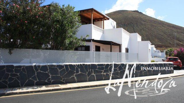 4300-(1) Lanzarote villa buy kaufen