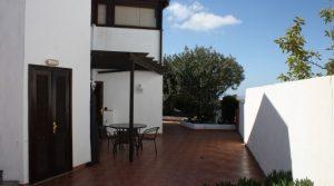 4300-(2) Lanzarote buy villa house haus