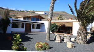 2 separate houses on a large plot in Macher Alto